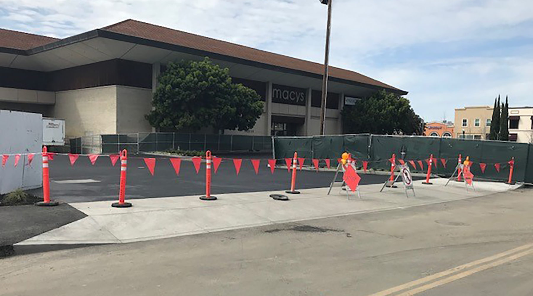 New Murphy Avenue paved and striped. New entrance to Macy's loading dock poured.